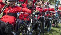 Bedensel engelli okçular yarışmaya hazırlanıyor