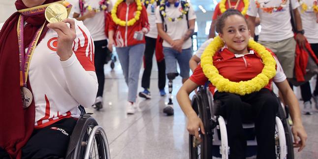 Para Atletizm Avrupa Şampiyonu Sporcular Yurda Döndü